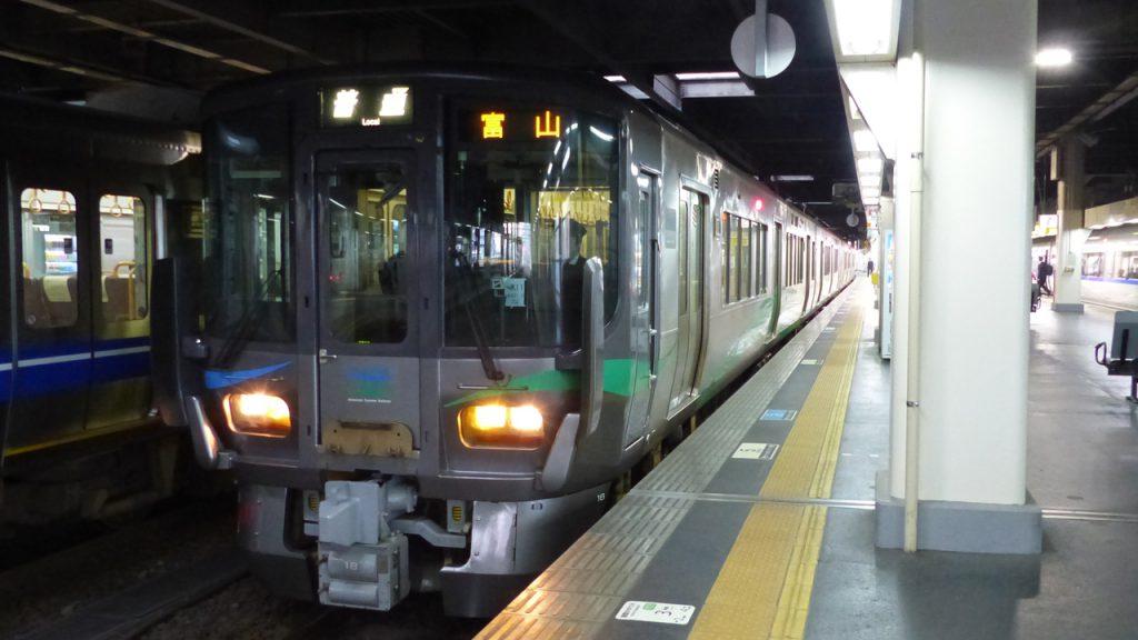 IR石川鉄道 富山行き