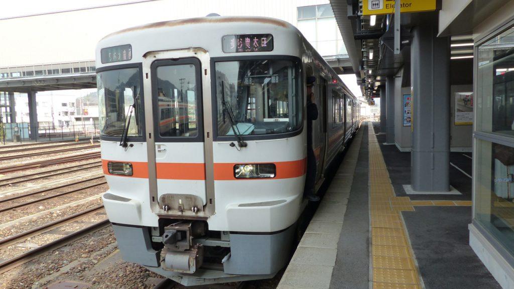 高山駅-美濃太田行き