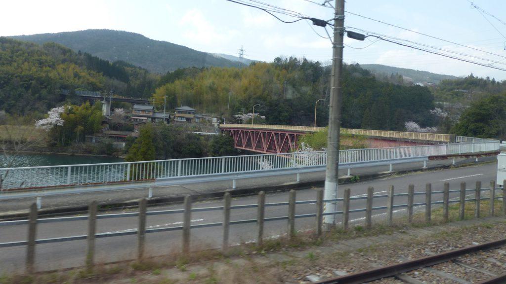 木曽川沿い